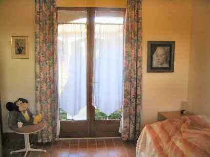 106/bedroom.jpg