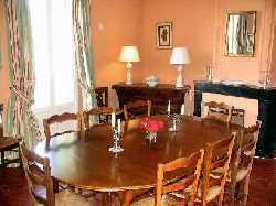 107/diningroomtable.jpg