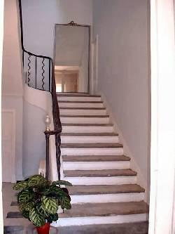 116/stair_rental.jpg