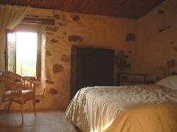 119/bedroom2.jpg