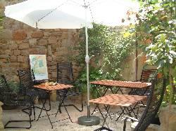 119/courtyard.jpg