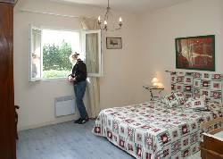 129/doublebedroom.JPG