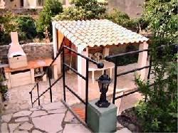 132/courtyard.jpg