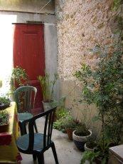 137/courtyard2.jpg