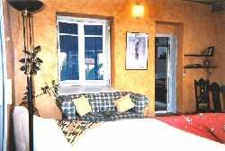 32/rental_lounge.jpg