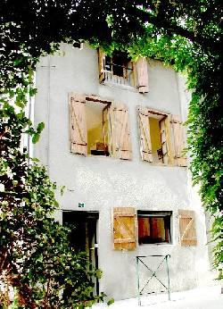 42/facade.jpg