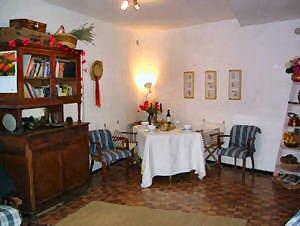 43/rental_dining.jpg