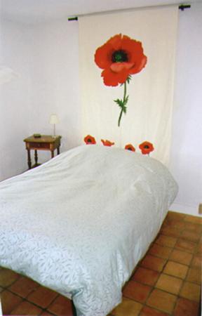 65/bed1.JPG