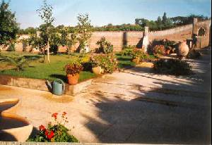 72/garden_rental.jpg