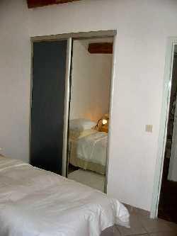97/pezenas_bedroom.jpg